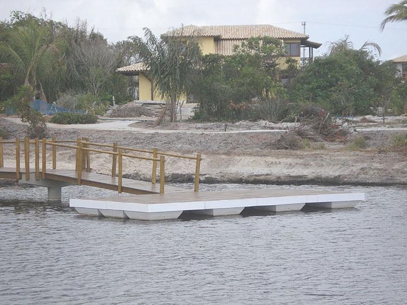 Deck flutuante à venda